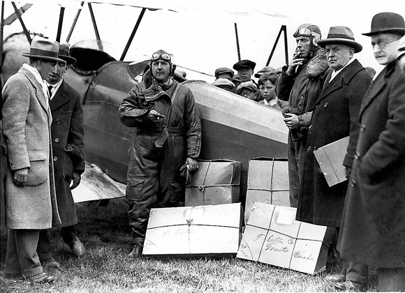 First airmail in Canada delivered to the Leaside Aerodrome