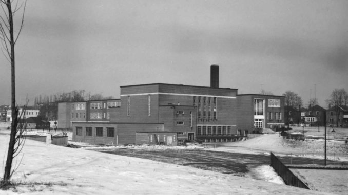 Leaside High