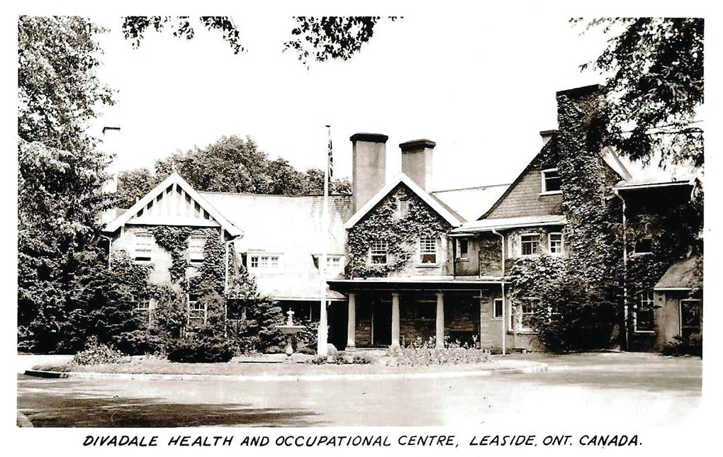 Divadale Health and Occupational Centre, Leaside. Ont. Canada. Photo By John Chuckman.