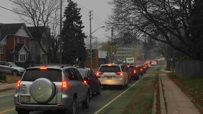Traffic in Leaside. Staff photo.