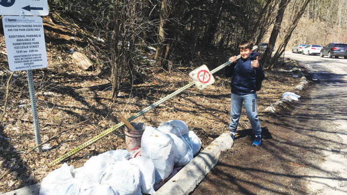 Earth Day cleanup. Photo Sarah Filippi.