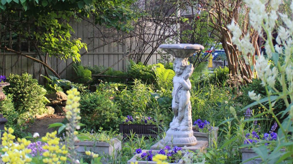 The garden on Kenrae.