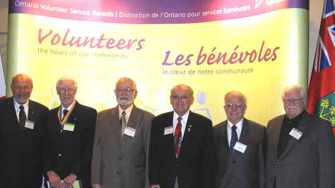 Kiwanians Receiving Ontario Volunteer Awards. Chuck McIlavery (1987), Colin McMechan (1969), Ossie Sherban (1986), Ron Weaton, Walter Jones (1998), Bill Wilson (1984).