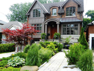 "A Leaside ""Garden of Distinction""."