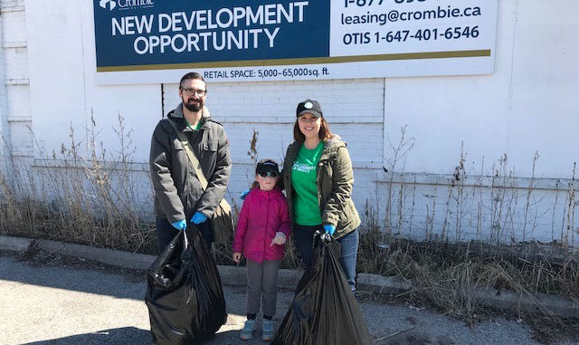 Many volunteers worked tirelessly, cleaning along Laird from Leaside Gardens to Eglinton and back, including Sara and the team from Starbucks. Photo Leaside Memorial Community Gardens.