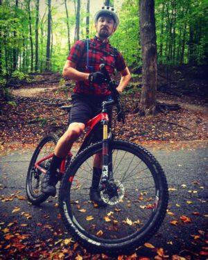 Jonathan Jacobs, Leaside cyclist.