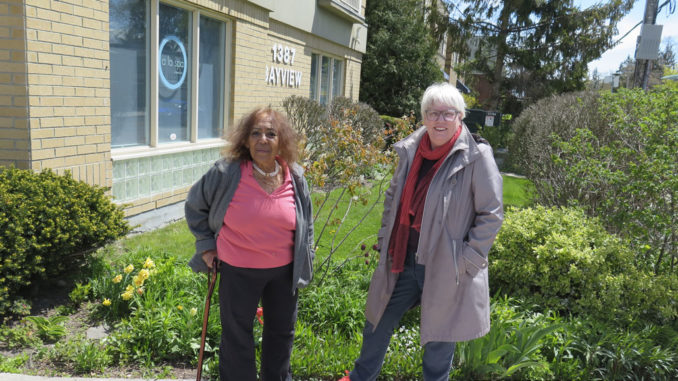 Barb (right) and her neighbour Ayesha Jones. Photo by Barry Thomas.