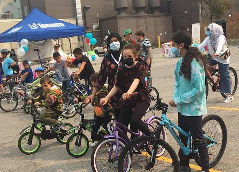 Cyclists getting ready!